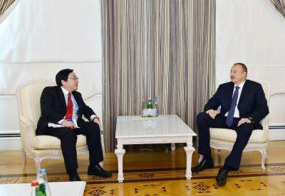 Ильхам Алиев принял вице-президента Азиатского банка развития