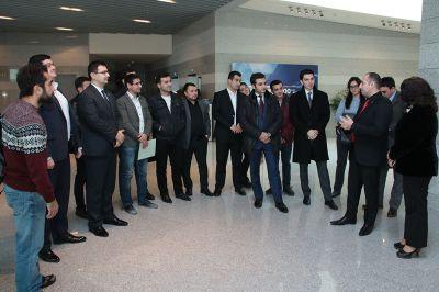 Gənclər SOCAR-ın yeni binası ilə tanış olublar