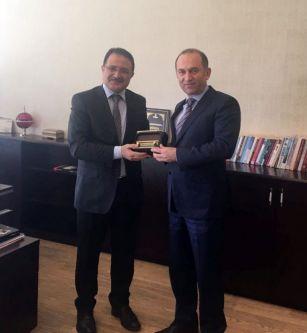 Azərbaycanın İstanbuldakı baş konsulu TRT nümayəndəsi ilə görüşüb