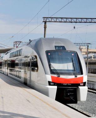 С сегодняшнего дня электричка Баку-Сумгайыт-Баку останавливается также на станциях Баладжары и Хырдалан
