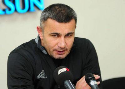 """""""Futbolçular qayda pozuntusuna az yol verməlidir"""""""