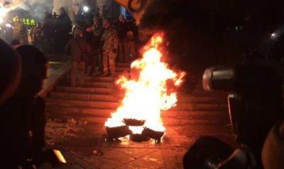 Kiyevdə nümayişçilərlə polis arasında qarşıdurma yaşanıb