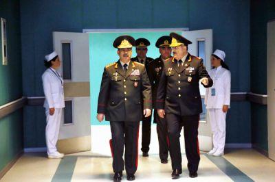 Министр обороны встретился с руководящим составом медицинской службы Вооруженных Сил