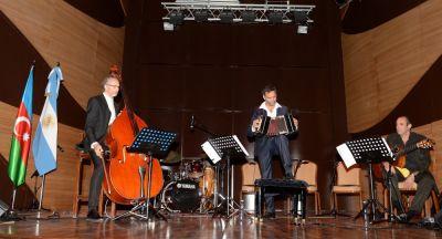 Argentinanın musiqi qrupu Bakıda konsert verdi FOTOLAR