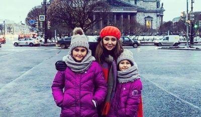 ATV-nin məşhur aparıcısı qızları ilə Sankt-Peterburqda FOTOLAR