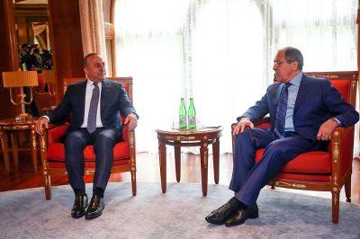 Главы МИД России и Турции провели двусторонние переговоры