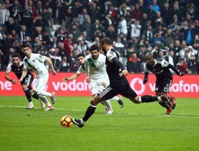 """""""Beşiktaş"""" """"Bursaspor""""u məğlub yola saldı"""