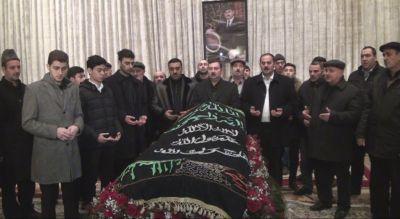 Xalq artisti Ağaxan Abdullayev son mənzilə yola salınıb