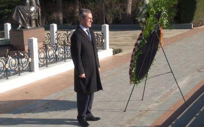 Коллектив Комитета посетили Аллею почетного захоронения Фотографии