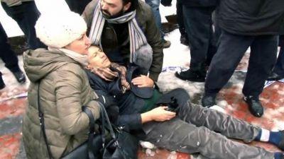 Траурная церемония закончилась смертью людей 2 погибших, 23 раненых (Фотографии)