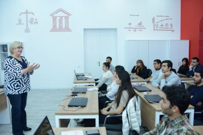 В США организованы уроки азербайджанского языка