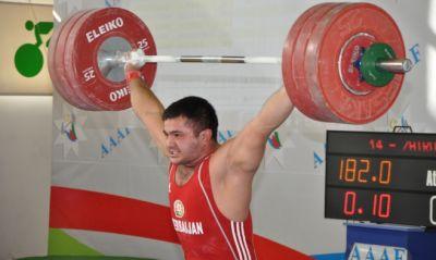МОК дисквалифицировал азербайджанского тяжелоатлета