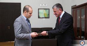 Посол Азербайджана вручил копии верительных грамот главе МИД Грузии
