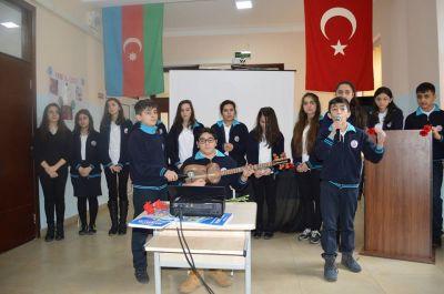 Bakı Atatürk Liseyində 20 Yanvar şəhidlərinin xatirəsi anılıb -  FOTOLAR
