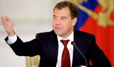 Dmitri Medvedev yenidən hakim partiyanın sədri seçilib