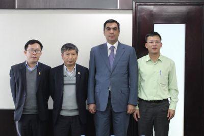 Ректор БВШН побывал в Институте Нефти Вьетнама