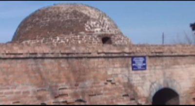 Bərdədə tarixi hamam dağılır