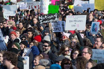 В США в «День Президентов» прошла очередная акция против Трампа