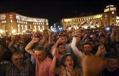 Ermənistanda ictimai-siyasi vəziyyət gərgindir