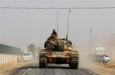 Türkiyə ordusu PKK-nın şəhərini atəşə tutdu