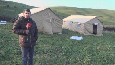 Şabranda evləri sürüşməyə məruz qalan sakinlərə çadırlar verilib