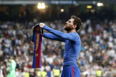 """Messi """"Barselona""""da qol sayını 500-ə çatdırıb"""