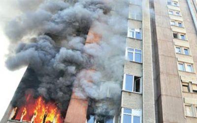 Nizami rayonunda yaşayış binasında yanğın olub, 40 nəfər təxliyə edilib