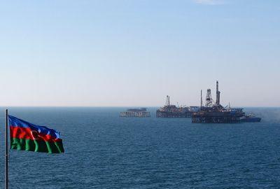 204 нефтяника эвакуированы из-за погодных условий