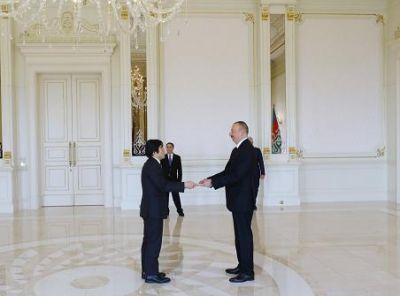 Ильхам Алиев принял верительные грамоты Теруюки Катори
