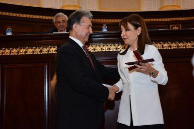 Наргиз Пашаева была удостоена «Золотой медали имени Низами Гянджеви» - Фотографии