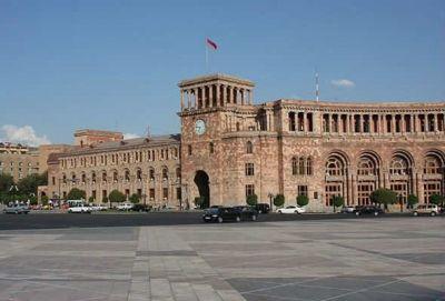 Ermənistanda Georgiyevsk lenti paylanılır