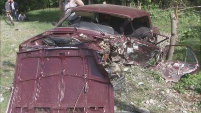 Qaxda ağır qəza: avtomobillər dəmir yığınına çevrildi