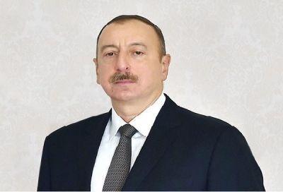 Президент Азербайджана встретился с победителями Исламиады
