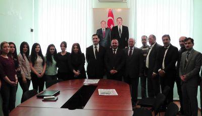 """Türkiyənin səfiri """"Səs"""" qəzetinin qonağı olub - SƏS TV  - FOTOSESSİYA"""