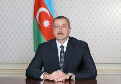 Президент Азербайджана Ильхам Алиев принял участие в официальном приеме по случаю Дня Республики
