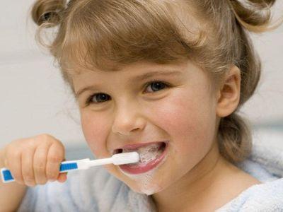 Aimlər: Dişlərini gündə təmizləməyən adamlarda ürək problemləri çox olur