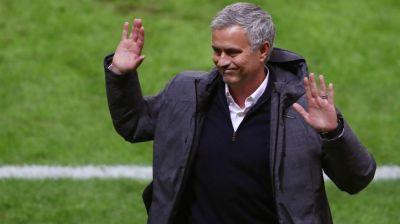 """Mourinyo: """"Hansı oyunçuları istədiyimi o bilir"""""""