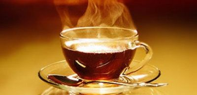 Çoxlu isti çay içmək, qida borusunda xərçəngi riskini artırır